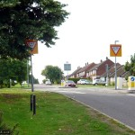 The route crests the rise into Kingswood Avenue